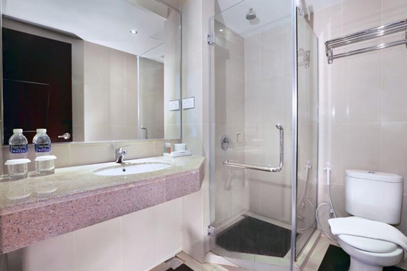 Aston Karimun Karimun - Bathroom