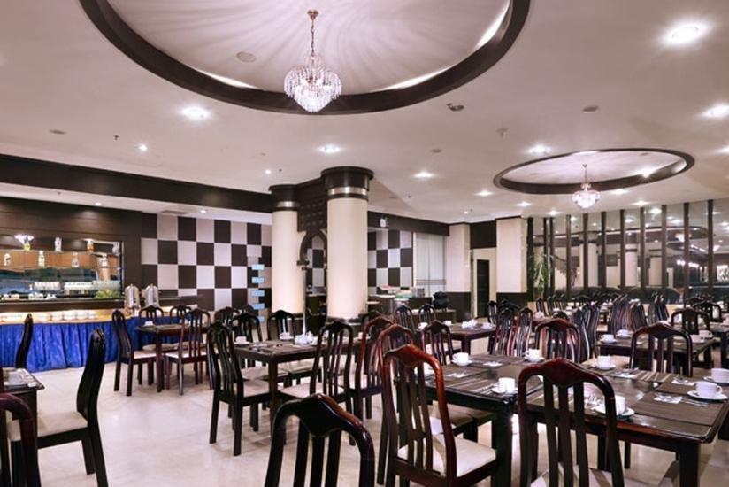 Aston Karimun Karimun - Restaurant