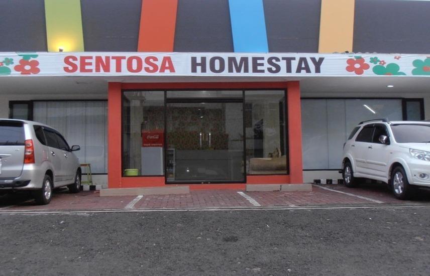 Sentosa Homestay Surabaya - Eksterior