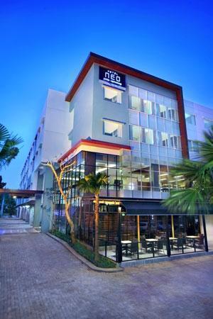 Neo Hotel Candi Semarang - Tampilan Luar