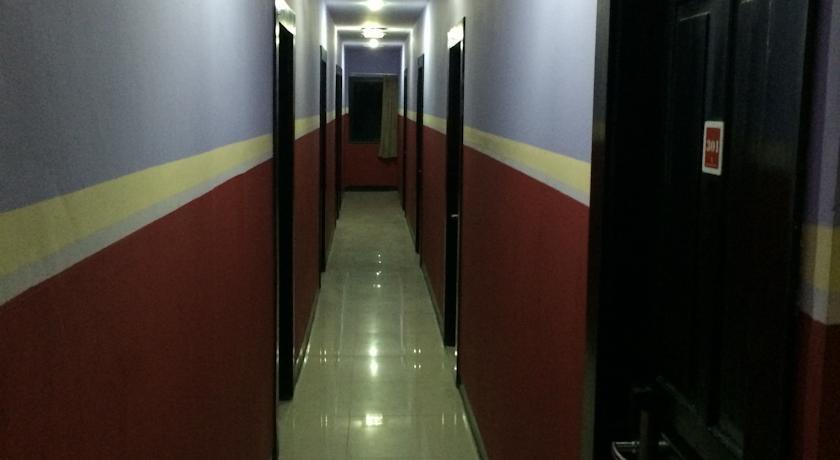 Hollywood Hotel Jakarta - Corridor