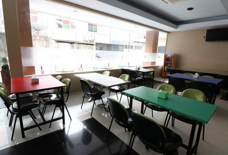 NIDA Rooms Makassar Jampea 19536 Makassar - Restoran