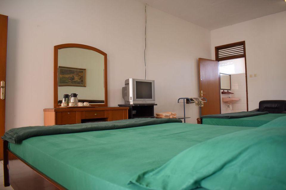 Villa Vanda Malang - Rooms