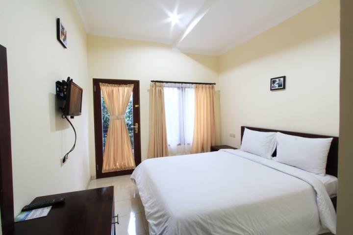 Surya Inn Bali - Deluxe Room - With Breakfast Basic Deal 52% Discount