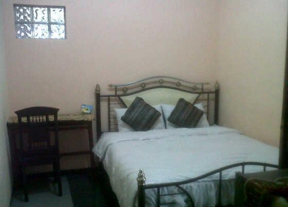 Family Guest House Malang - Room 9 Regular Plan