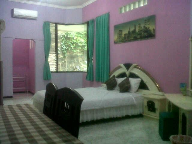 Family Guest House Malang - Room 8 Regular Plan
