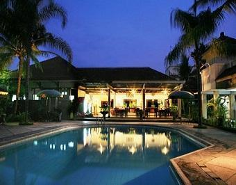 Family Guest House Malang - Club House Istana Dieng Malang