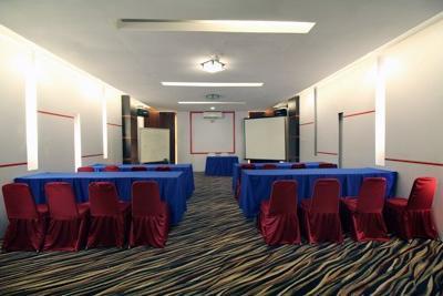Airy Syariah Kendari Barat Edy Sabara 1A - Meeting Room