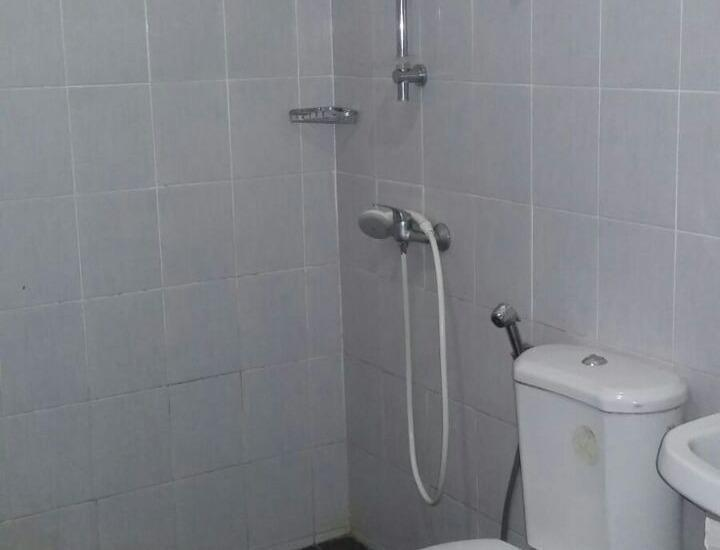 Hotel Silintong Samosir - TOILET DAN KAMAR MANDI