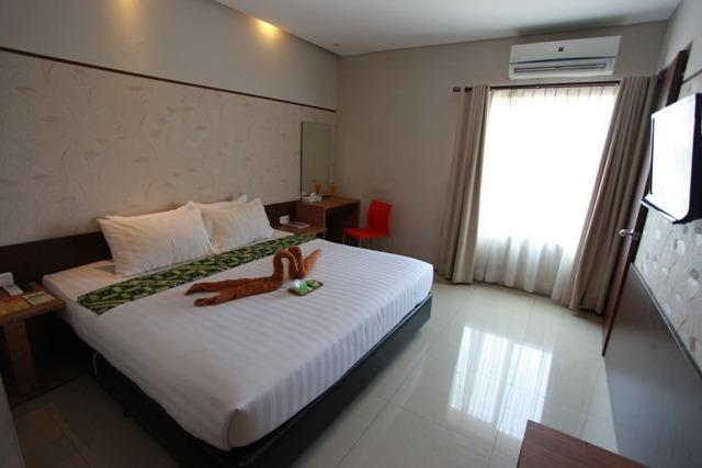 Andelir Convention Hotel Semarang - Deluxe Double With Breakfast #WIDIH - Pegipegi Promotion