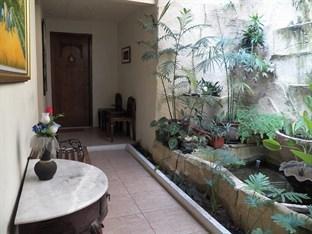 Griya Nalendra Guest House   - Taman
