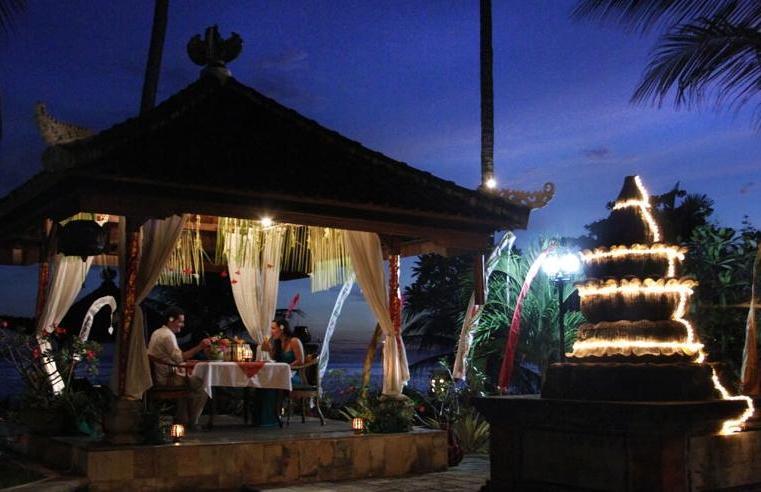Puri Bagus Candidasa Bali - Romantic Dinner