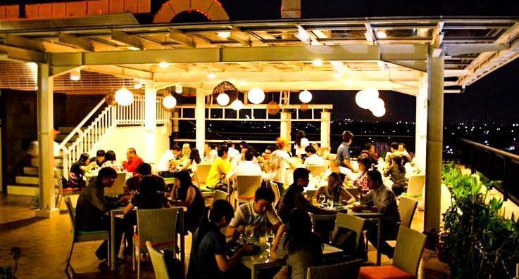 HARRIS Hotel Bandung - Restaurant