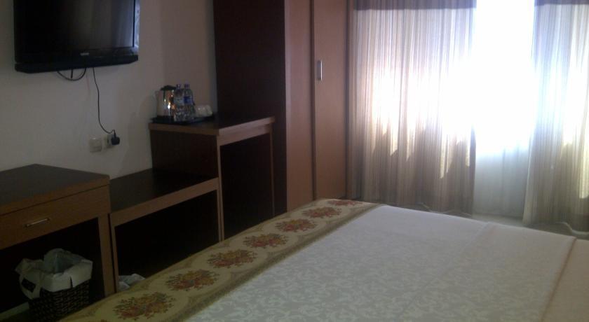 Grand Populer Hotel Makassar - Room