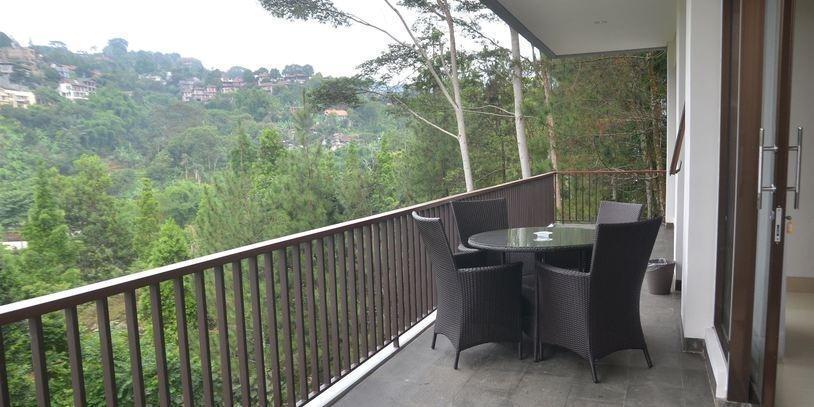 6 BR Pool Villa Dago Hill View Bandung - pic12