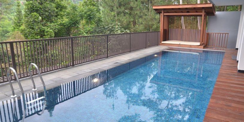 6 BR Pool Villa Dago Hill View Bandung - pic23