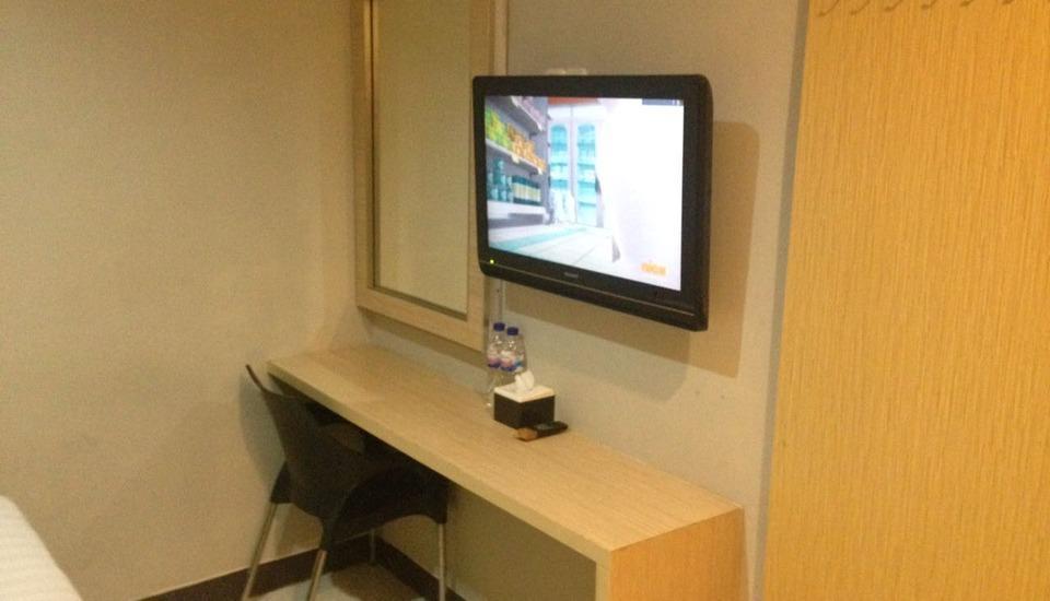 Hotel Paramount Makassar Makassar - Standard Double Room Regular Plan