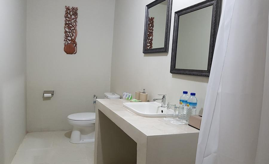Gili Bagaz Cottages Lombok - Bathroom