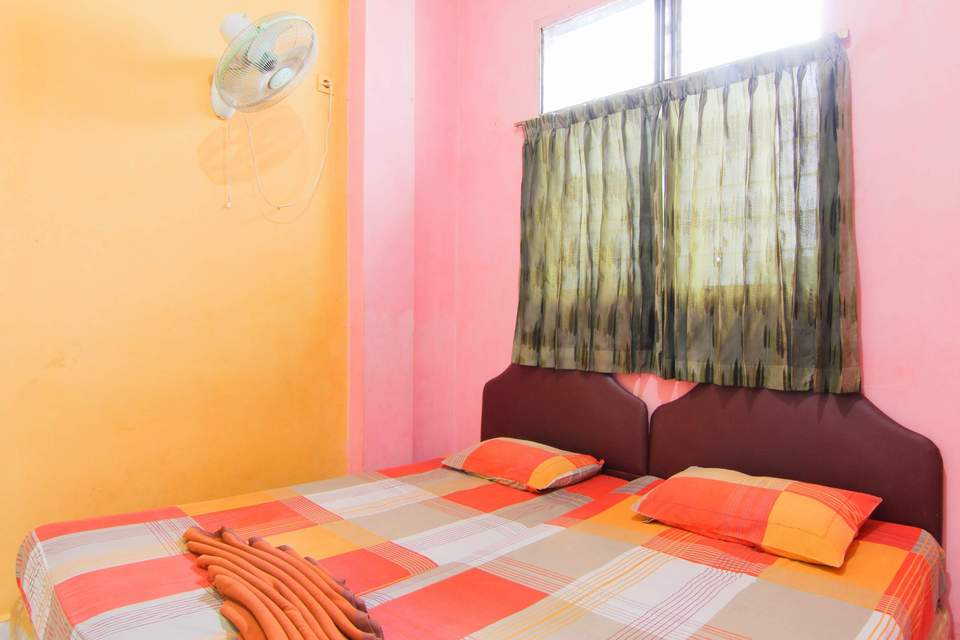 Kamar penginapan di Hotel Halim Perdana