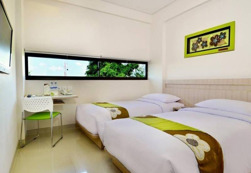 J Hotel Kuta - Cozy Twin Room With Breakfast Stay More