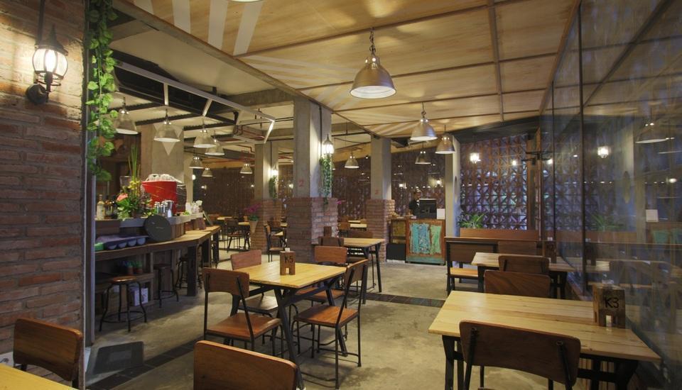 J Hotel Kuta - Restaurant