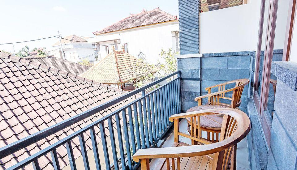 ZenRooms Sunshine Dewi Sartika - Balkon