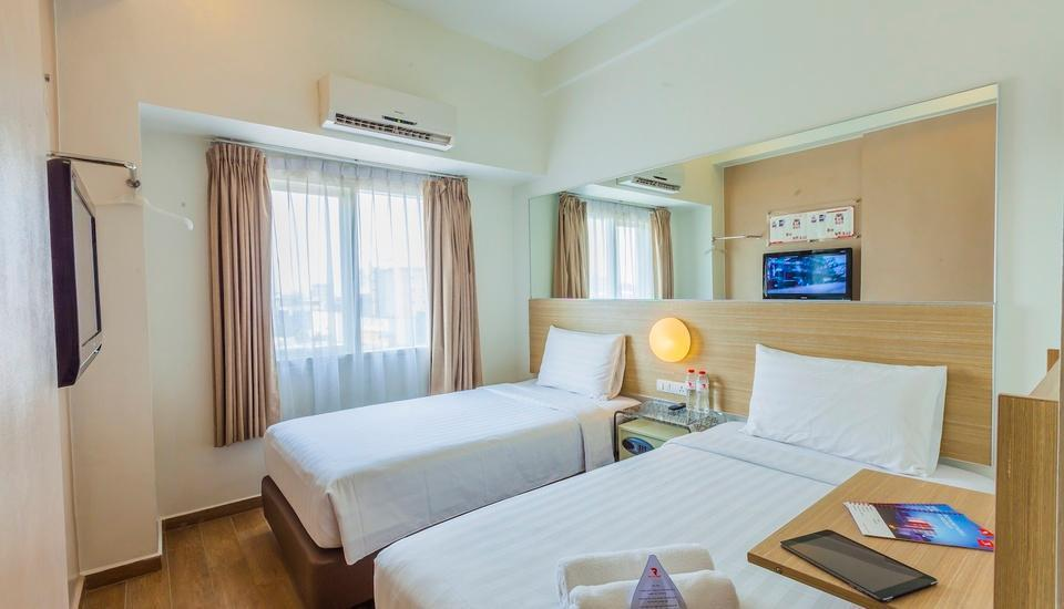 Red Planet Pasar Baru Jakarta - Twin Room