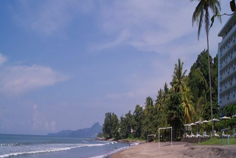Inna Samudra Beach Sukabumi - Pantai