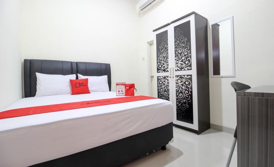 RedDoorz Plus near STIE YKPN 2 Yogyakarta - RedDoorz Room Regular Plan