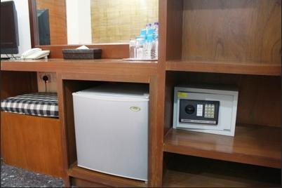 Airy Legian Melasti 36 Kuta Bali - Refrigerator