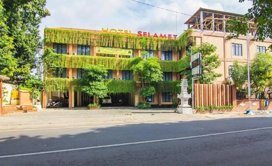 Hotel & Resto Selamet Banyuwangi - Tampilan Luar Hotel