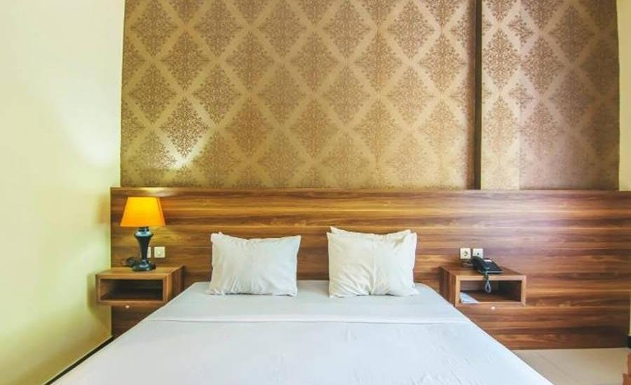 Hotel & Resto Selamet Banyuwangi - Superior Room Regular Plan