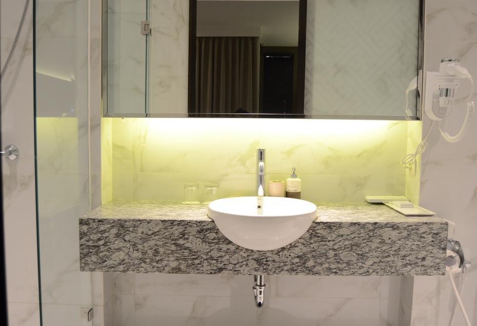 Amanuba Hotel & Resort Rancamaya Bogor - Bathroom