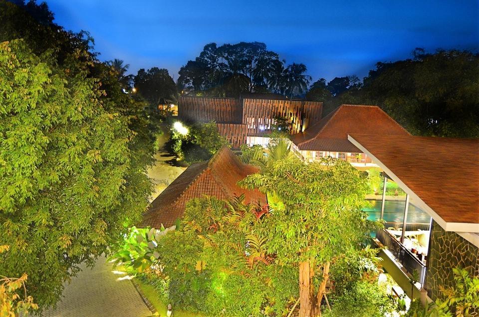 Amanuba Hotel & Resort Rancamaya Bogor - Evening view