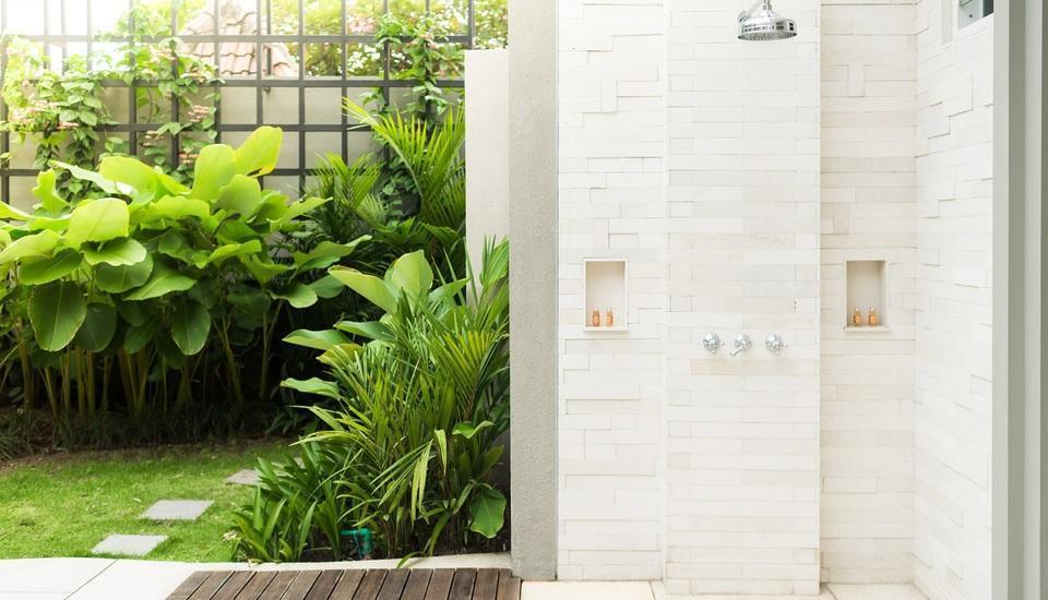 Maison Aurelia Sanur Bali - Outdoor Shower
