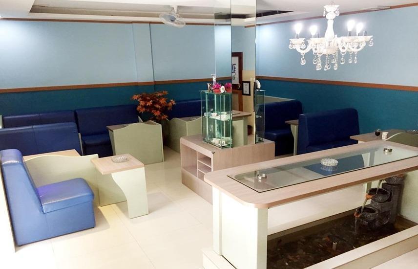 B Shaw Hotel & Restaurant Jakarta - Interior