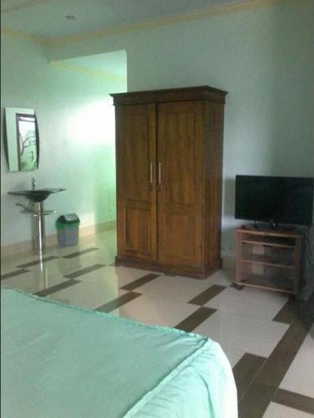 Wisma Karina Syariah Lombok - Bedroom