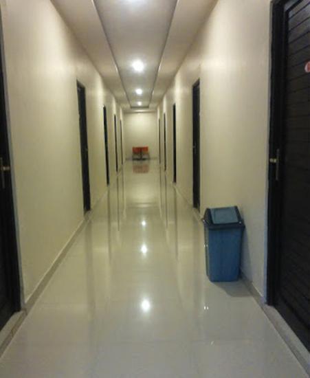Hotel Srikandi Bandara Jogja - Corridor