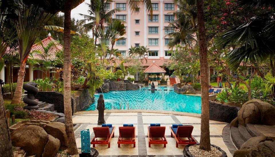 Hotel Melia Purosani Yogyakarta - Pool Area