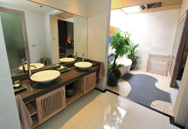 Tis Villa  Seminyak - Kamar mandi (2 Bedroom pool villas)