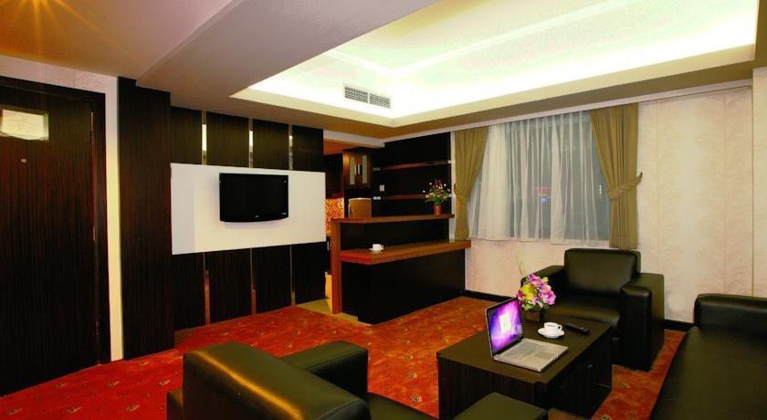 Hotel Orchardz Jayakarta - 6