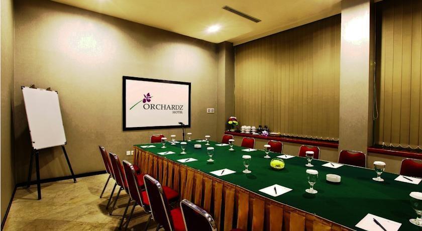 Hotel Orchardz Jayakarta - 8