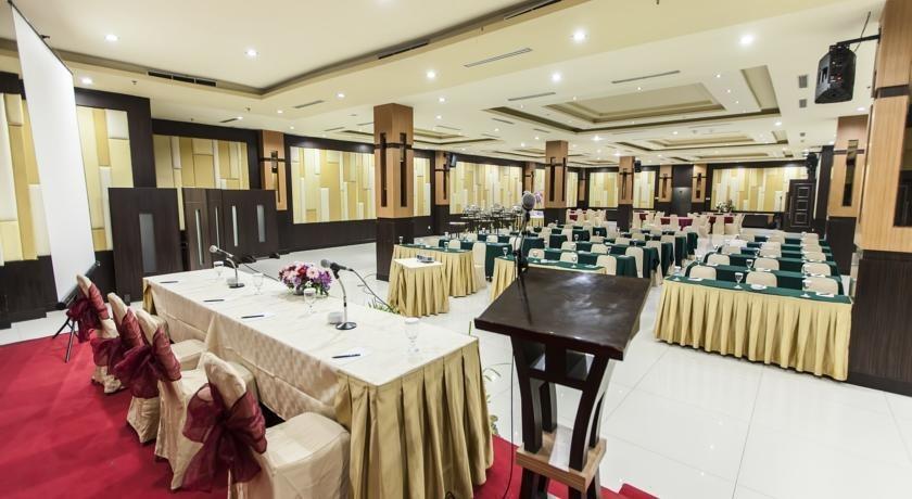 Hotel Orchardz Jayakarta - 18