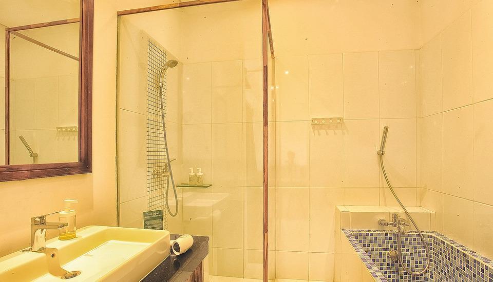 Hotel Puriartha Ubud Bali - Suite Bathroom