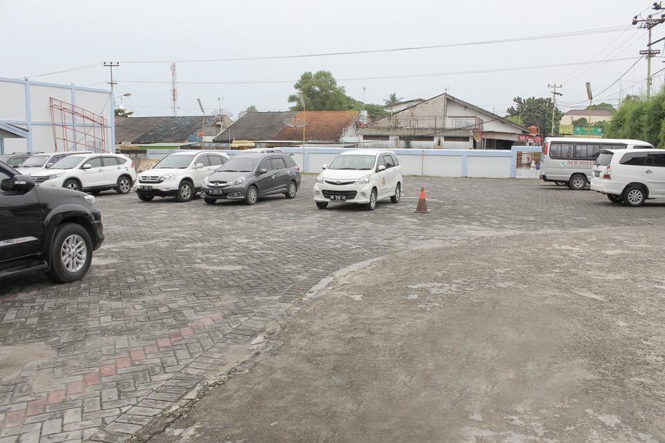 Airy Kuantan Raya 120 Pekanbaru - Parking