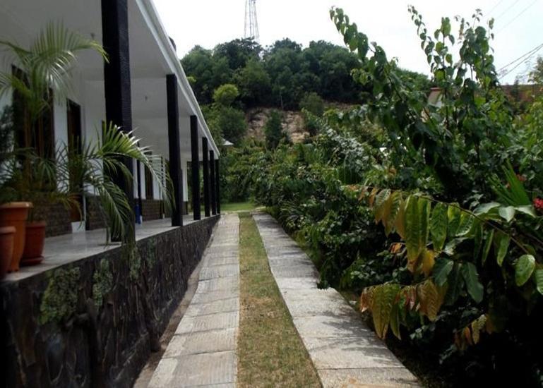 Green Prundi Hotel Flores - Area parkir