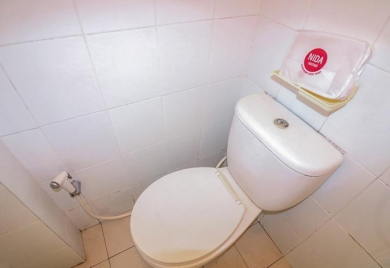NIDA Rooms Seturan Raya Tugu Jogja - Kamar mandi