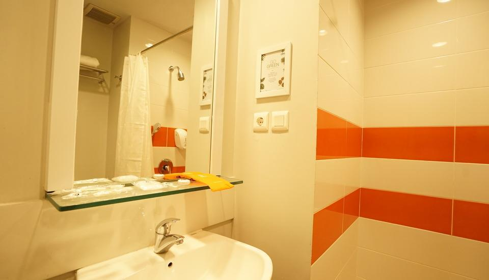 Cleo Hotel Jemursari - Kamar mandi
