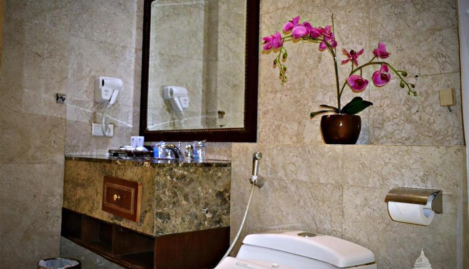 The Palais Dago Hotel Bandung - Family Suite  Bathroom