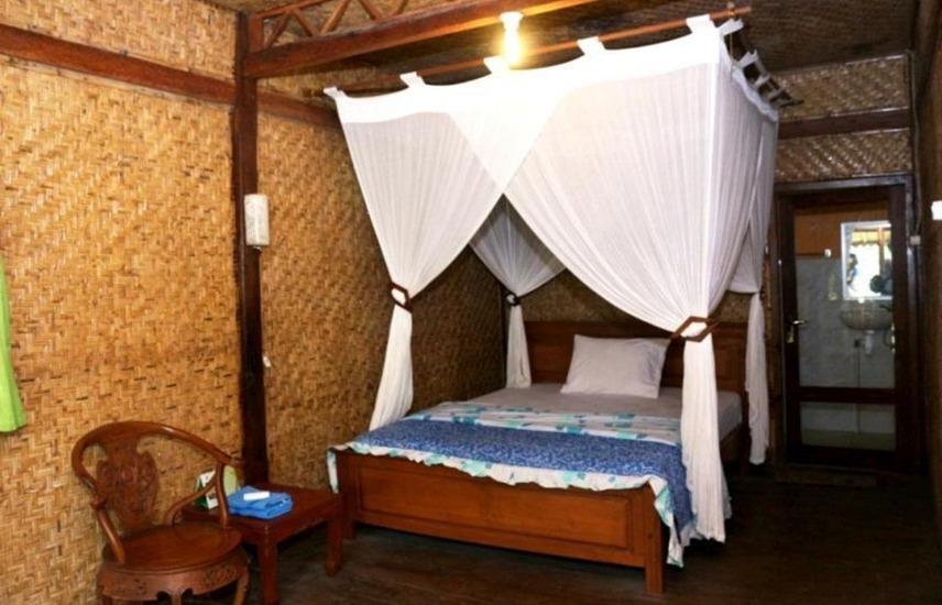 Ijen Resto and Guest House Banyuwangi - Kamar Lily